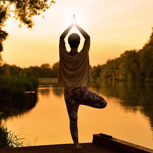 Как начать жить в моменте: практика осознанности в повседневной жизни